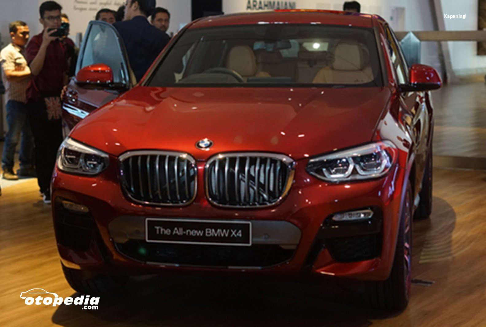All New BMW X4 Meluncur.jpg