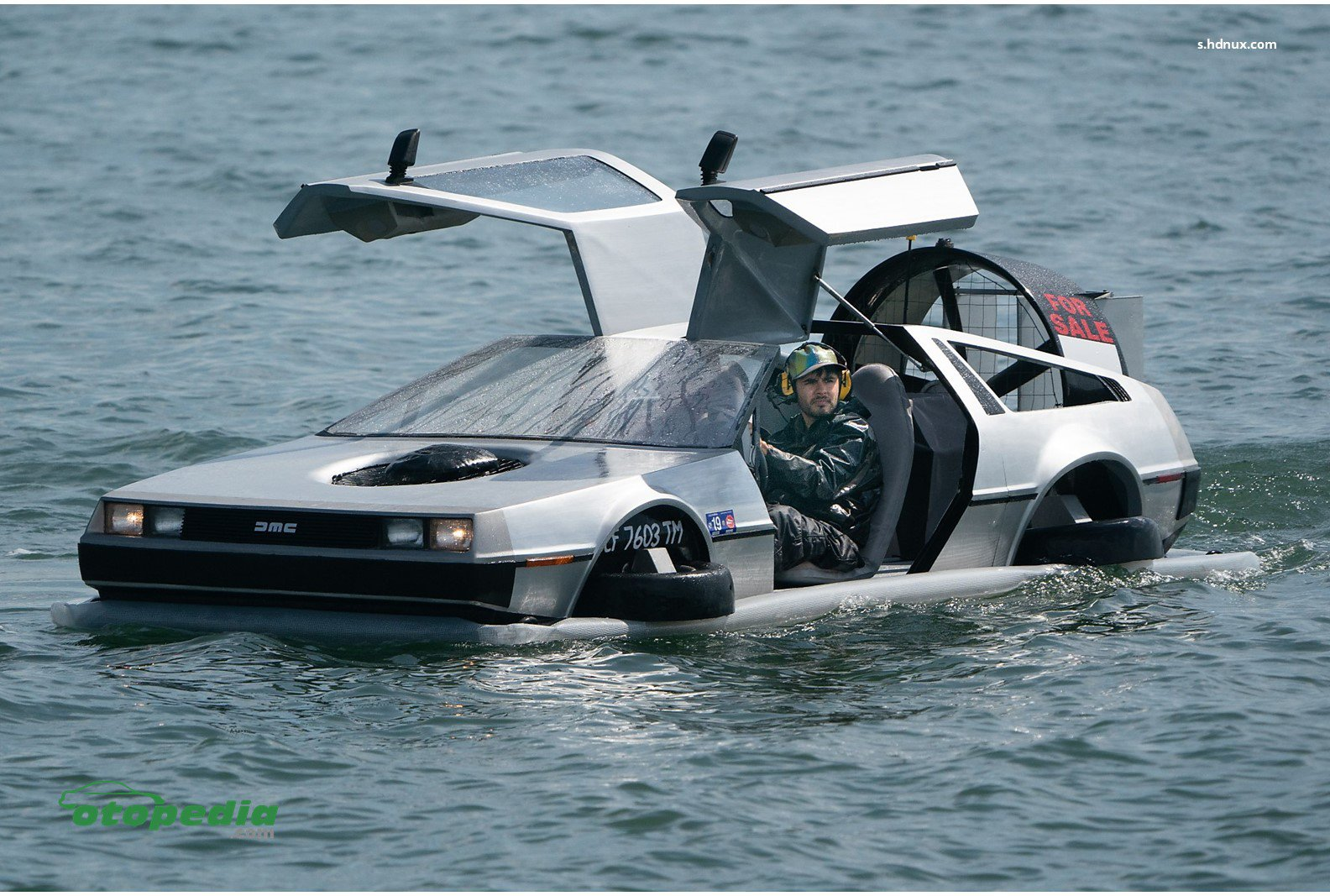 /media/images/DeLorean-Versi-Air.original.jpg