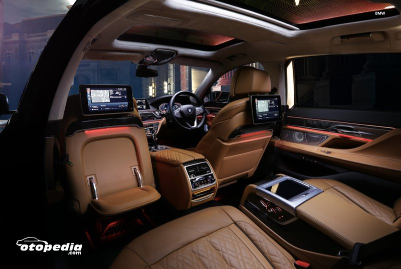 Interior-BMW-The-New-Series-7.jpg