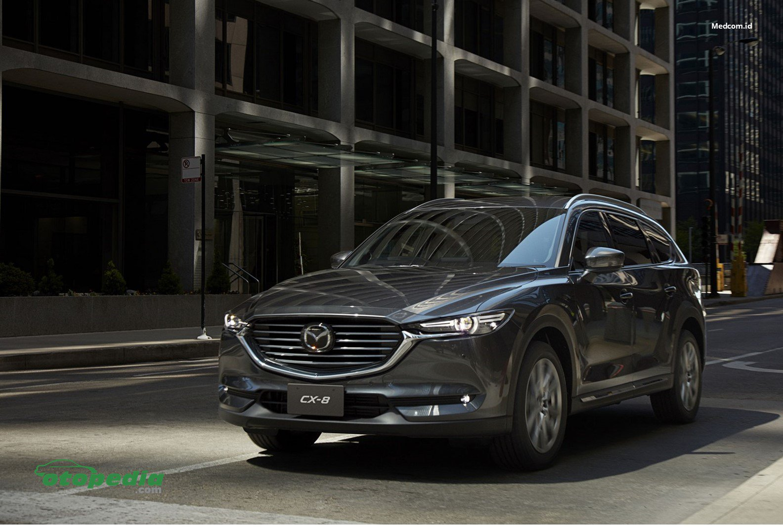 /media/images/Mazda-CX-8.original.jpg