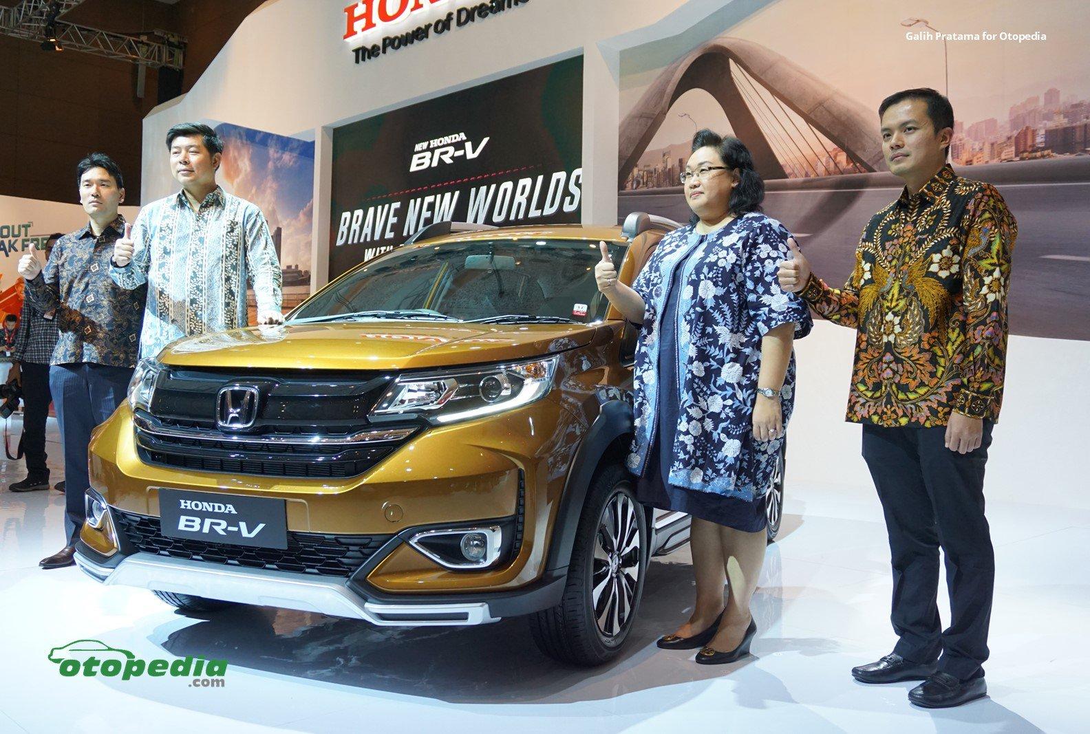 Tampil Lebih Segar New Honda Br V Tebar Pesona Di Iims 2019