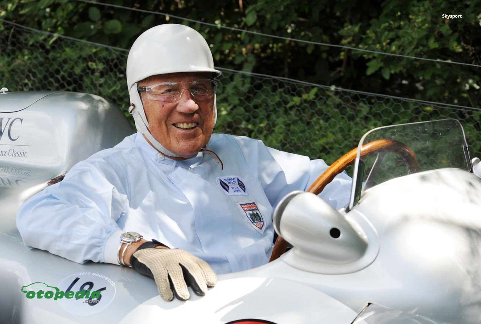/media/images/Sir-Stirling-Moss.original.jpg