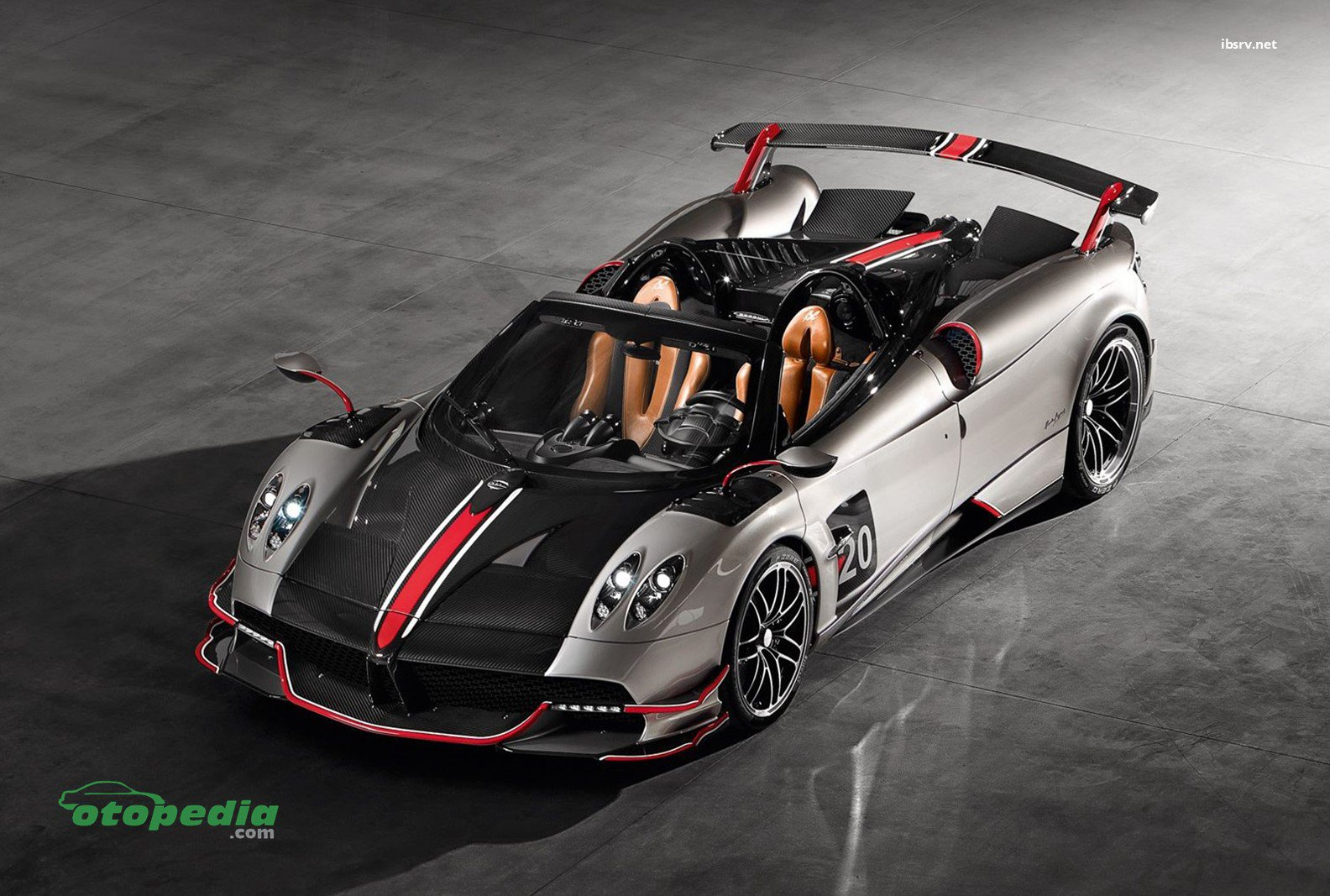 /media/images/pagani-huayra-roadster..original.jpg